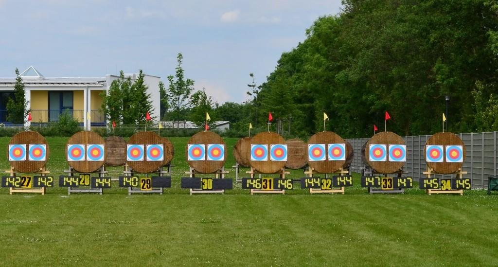 Wie hochkarätig im Finale bei den Compoundern geschossen wurde, sieht man hier... links die Damen, rechts die Herren...